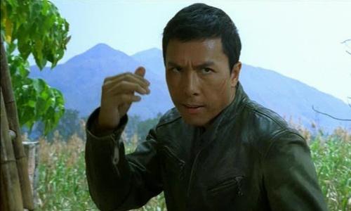 chan-tu-dan-lan-dau-dong-chinh-trong-phim-hollywood
