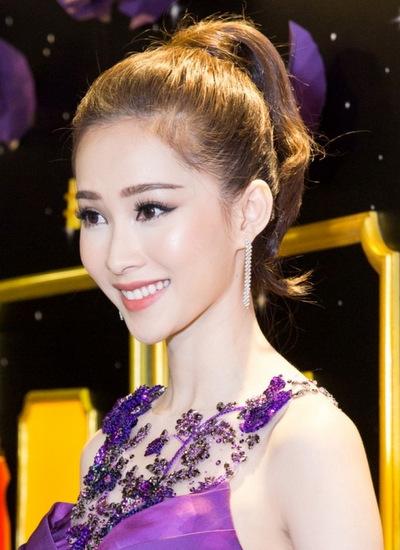 Hoa hậu Thu Thảo trong sự kiện tối 8/3.