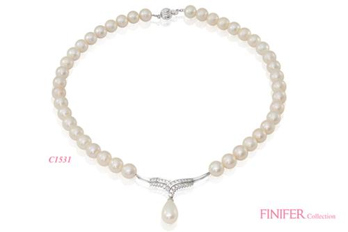 Các kiểu chuỗi Finifer được yêu thích bởi vẻ đẹp lộng lẫy, bóng bẩy với nhiều thiết kế trẻ trung, hiện đại.