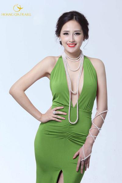 Với những kiểu chuỗi dài martinee hay rope, phái đẹp được thỏa sức biến tấu phong cách cùng phục trang yêu thích.