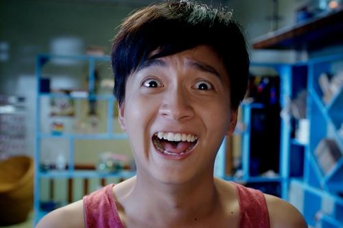 Ngô Kiến Huy vào vai cậu học trò si tình. Ảnh: ĐPCC.