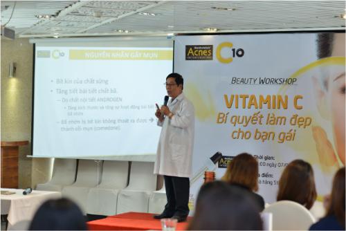 kha-nang-dieu-tri-seo-vet-tham-sau-mun-cua-vitamin-c