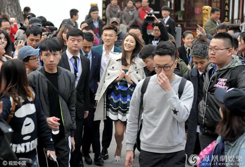Theo Ifeng, hôm 22/3, Lâm Tâm Như và Tô Hữu Bằng quảng bá phim The Devotion Of Suspect X (Hiến thân của kẻ tình nghi X)ở Tế Nam, tỉnh Sơn Đông, Trung Quốc.