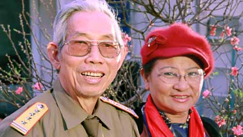 Cố nhạc sĩ Thuận Yến và vợ Thanh Hương.
