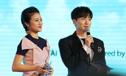 fan-kpop-khoc-vi-khong-duoc-gap-than-tuong-o-ha-noi