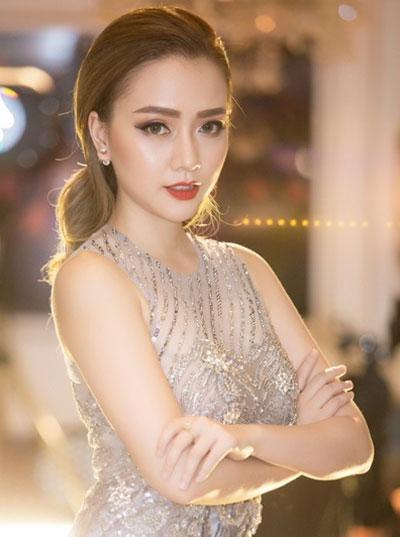 angela-phuong-trinh-pham-huong-trang-diem-dep-voi-mat-khoi-5