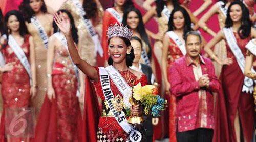 hoa-hau-indonesia-bi-trao-nham-ngoi-a-hau-2-3