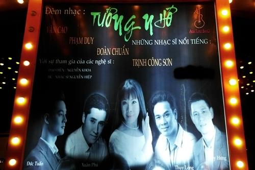 Poster quảng bá đêm nhạc Tưởng nhớ bị xóa tên cố nhạc sĩ Nguyễn Ánh 9 ở vùng màu đen.