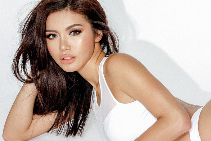 Đại diện Việt Nam tại Asia's Next Top Model phô đường cong