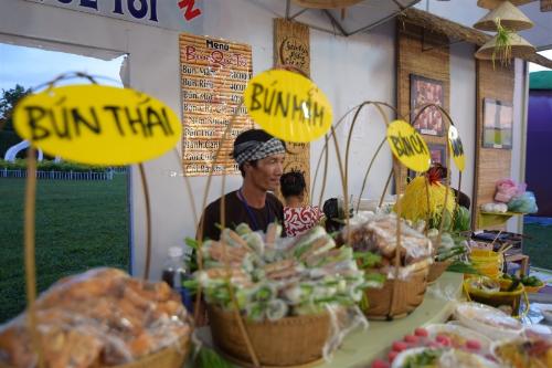 tinh-hoa-van-hoa-m-thuc-du-lich-hoi-tu-tai-festival-don-ca-tai-tu-1