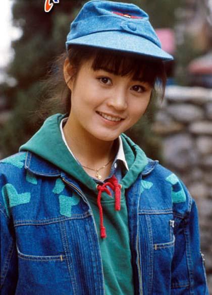 nhan-sac-thuo-doi-muoi-cua-nu-hoang-sexy-kim-hye-soo-4