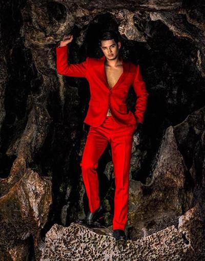 Một mẫu suit trong bộ sưu tập nam của Chung Thanh Phong.