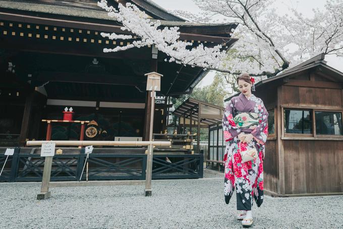 Bảo Anh mặc kimono dạo phố Nhật