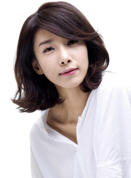 nhan-sac-diu-ngot-thanh-tao-thuo-trang-tron-cua-nu-hoang-sexy-kim-hye-soo-page-6