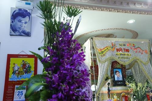 Nghệ sĩ Thanh Sang qua đời vào rạng sáng ngày 21/4 tại nhà riêng (TP HCM), hưởng thọ 74 tuổi. Lễ truy điệu được tổ chức vào 7h15 ngày 25/4, sau đó lễ an táng diễn ra ở Nghĩa trang Bình Dương.