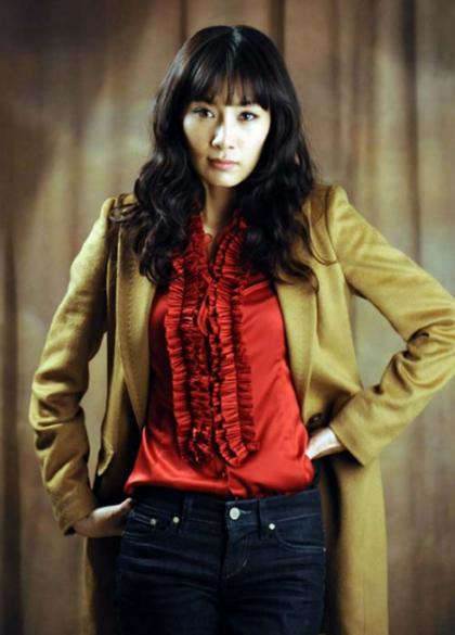 nhan-sac-diu-ngot-thanh-tao-thuo-trang-tron-cua-nu-hoang-sexy-kim-hye-soo-page-6-1