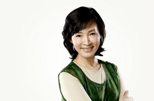 nhan-sac-diu-ngot-thanh-tao-thuo-trang-tron-cua-nu-hoang-sexy-kim-hye-soo-page-8