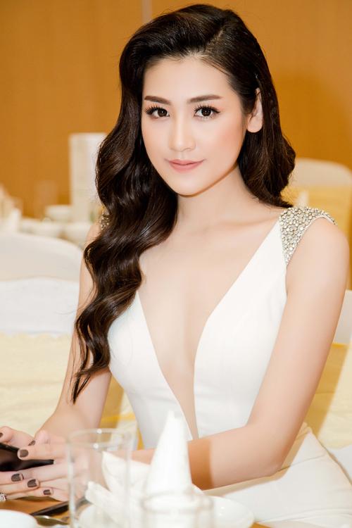 Phạm Hương, Jennifer Phạm trang điểm đẹp nhất tuần