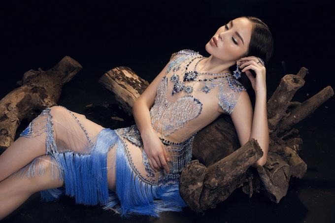 Hoa hậu Kỳ Duyên mặc váy trong suốt