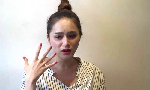 Chiều 14/5, ca sĩ Hương Giang Idol vừa khóc vừa xin lỗi nghệ sĩ Trung Dân. Cô giải thích mọi việc ch ỉ là