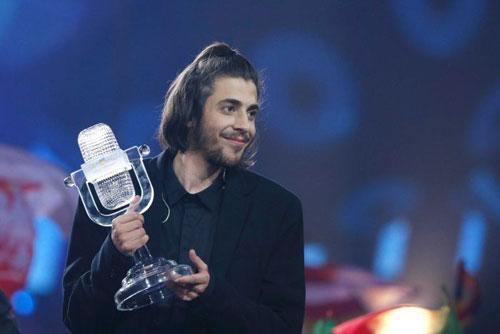 chang-trai-bo-dao-nha-chien-thang-eurovision-2017