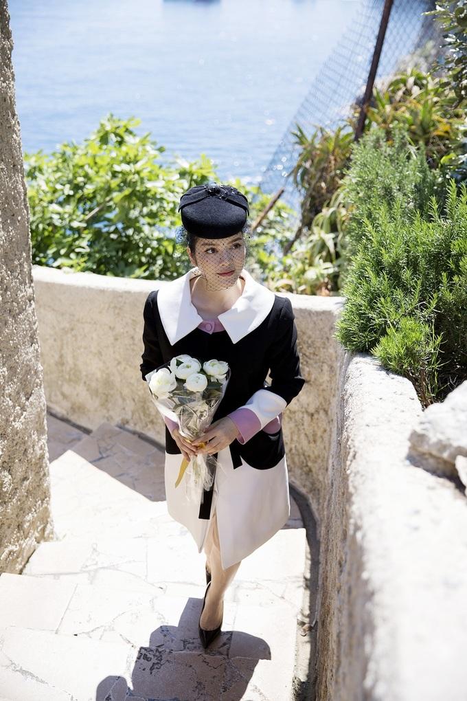 Lý Nhã Kỳ thăm mộ Công nương Grace Kelly
