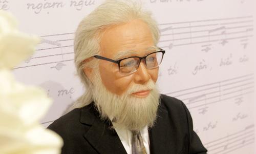 Tượng sáp cố nhạc sĩ Bắc Sơn trong buổi trao học bổng mang tên ông năm 2016.