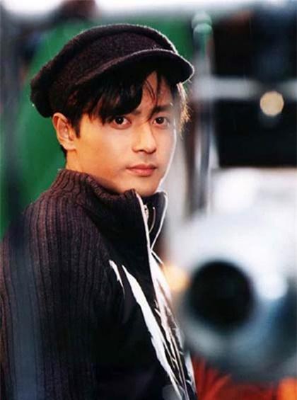 loat-phim-gay-bao-cua-jang-dong-gun-qua-25-nam-2