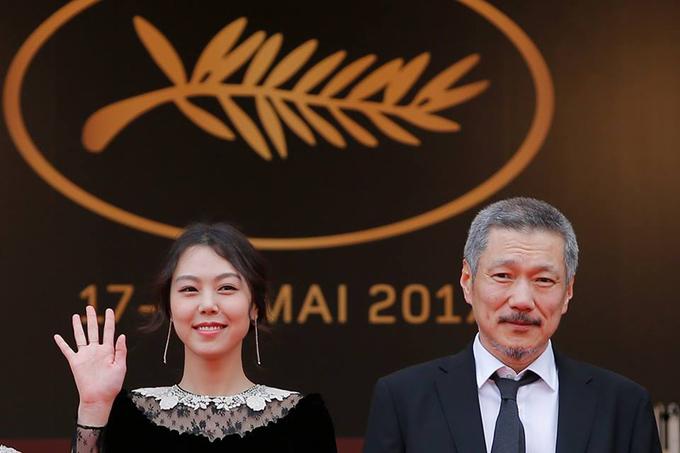 Sao phim 19+ Hàn Quốc sánh vai người tình ở Cannes