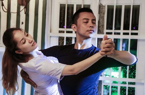 Ngay cả chồng hiện tại của Khánh Thi là Phan Hiển cũng không bao giờ ghen với Chí Anh. Trong mắt Phan Hiển, Chí Anh là một người thầy, người anh.