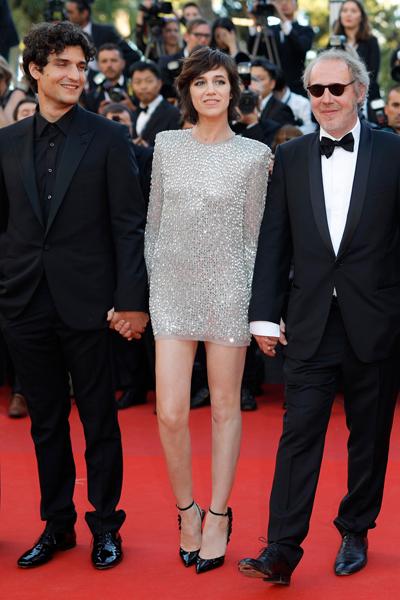 Charlotte Gainsbourg gợi cảm và trẻ trung.