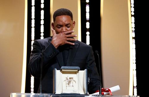 Will Smith vờ khóc khi nhận giải thay Nicole Kidman