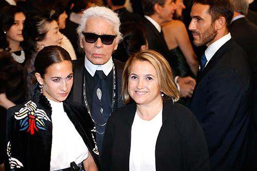 Karl Lagerfeld và bà Silvia Venturini Fendi cùng con gái