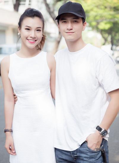 Huỳnh Anh, Hoàng Oanh xuất hiện lần cuối bên nhau trong buổi họp fan chung vào tháng 2 năm nay.
