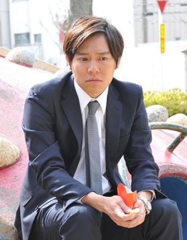 Tài tử Keisuke Koide.