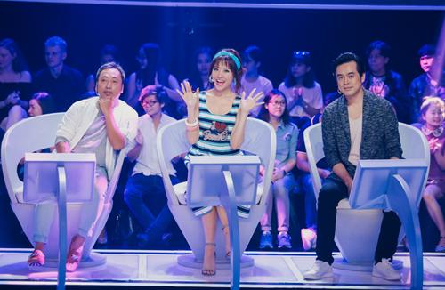 Hari Won ngồi giữa khi làm giám khảo khách mời ở tuần thi Hồ Quỳnh Hương vắng mặt.