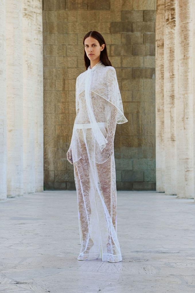Bộ sưu tập đầu tiên của Givenchy dưới trướng Keller