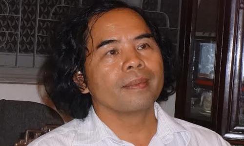 Ngô Văn Giá, bút danh Văn Giá, hội viên Hội nhà văn Hà Nội, thành viên Ban LL- PB của Hội nhà văn Hà Nội, hiện đang công tác tại Khoa Viết văn-Báo chí, Đại học văn hóa Hà Nội.