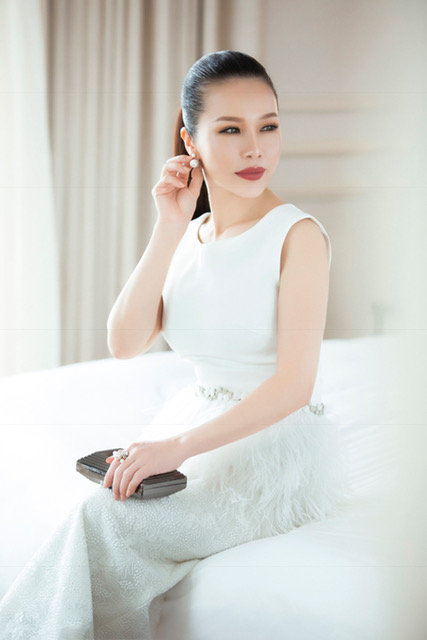 hoa-khoi-lan-phuong-dien-dam-den-trang-thoi-thuong