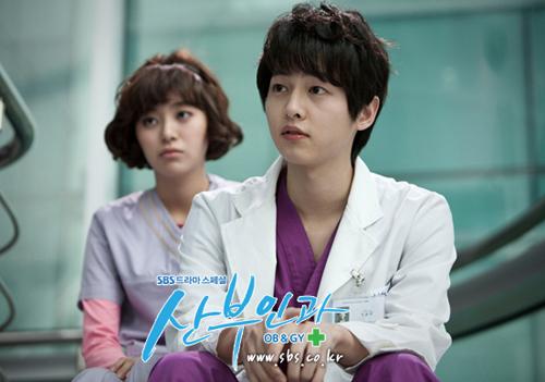 loat-phim-gay-bao-cua-my-nam-song-joong-ki-4