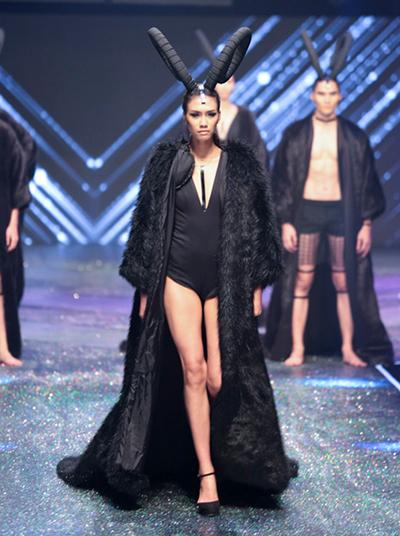 thi-sinh-mac-tham-hoa-qua-cac-mua-vietnams-next-top-model-7