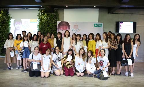 blogger-lam-dep-huong-dan-phai-dep-cham-soc-da-sau-mun-4
