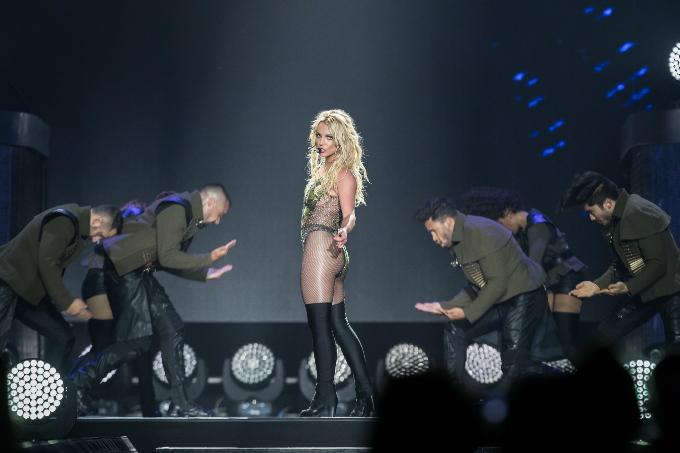 Britney-Spears-Bangkok-2306201-3559-1188