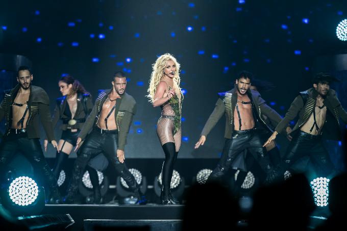 Britney-Spears-Bangkok-2306201-4348-5281