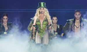 Britney Spears sexy hết cỡ trong concert ở Bangkok