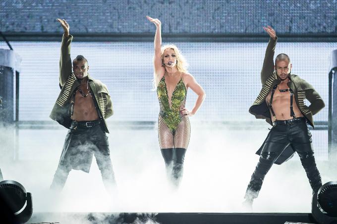 Britney-Spears-Bangkok-2306201-4884-9566