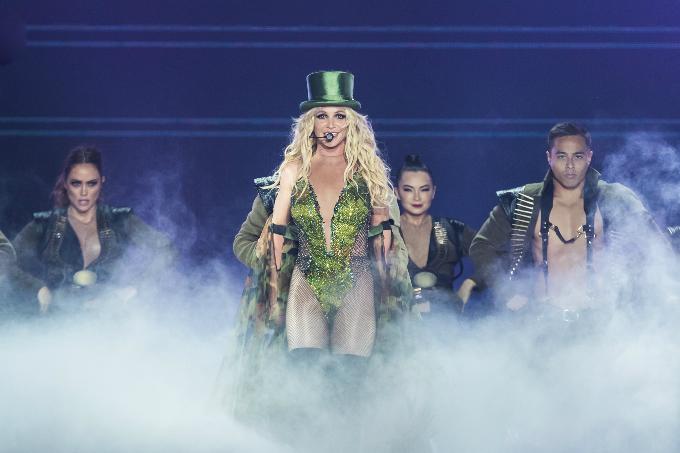 Britney-Spears-Bangkok-2306201-5065-9906