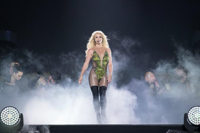 Britney-Spears-Bangkok-2306201-5795-1926