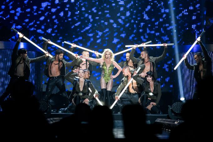 Britney-Spears-Bangkok-2306201-7343-3657
