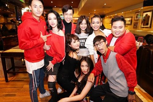 Các diễn viên Glee Việt Nam trong họp báo chiều 26/6.